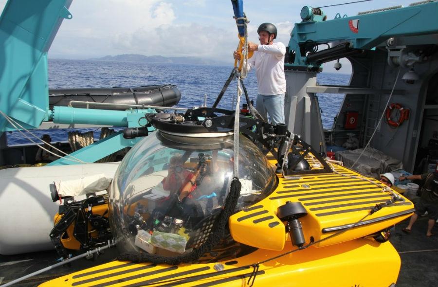 Discovery Channel / NHK / NEP Use High-Tech Triton Submarine