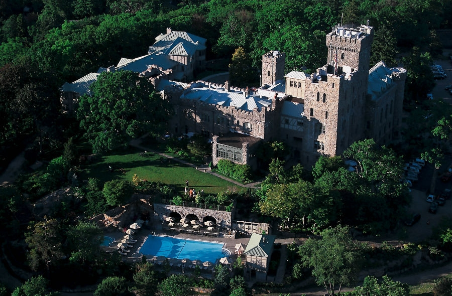 Castle hotel spa world class destination for relaxing for Destination spas near nyc