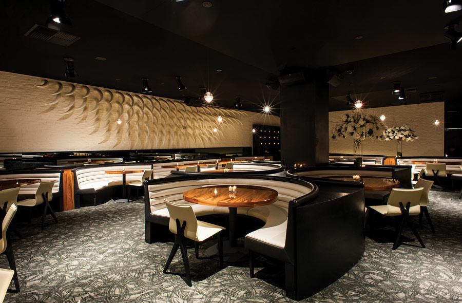 destination-luxury-best-suites-restaurants-nightlife-p