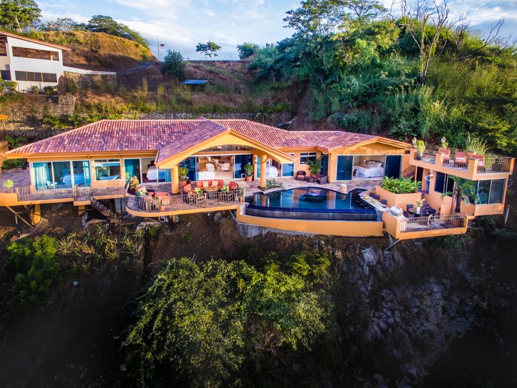 Casa dare to dream a costa rican luxury villa for Luxury villas in costa rica