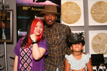 jamiefoxx and daughter with Jing Zhou elemoon