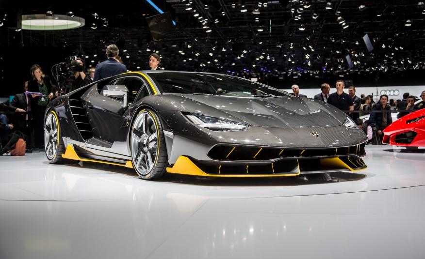 2017-Lamborghini-Centenario-LP770-4-1022-876x535