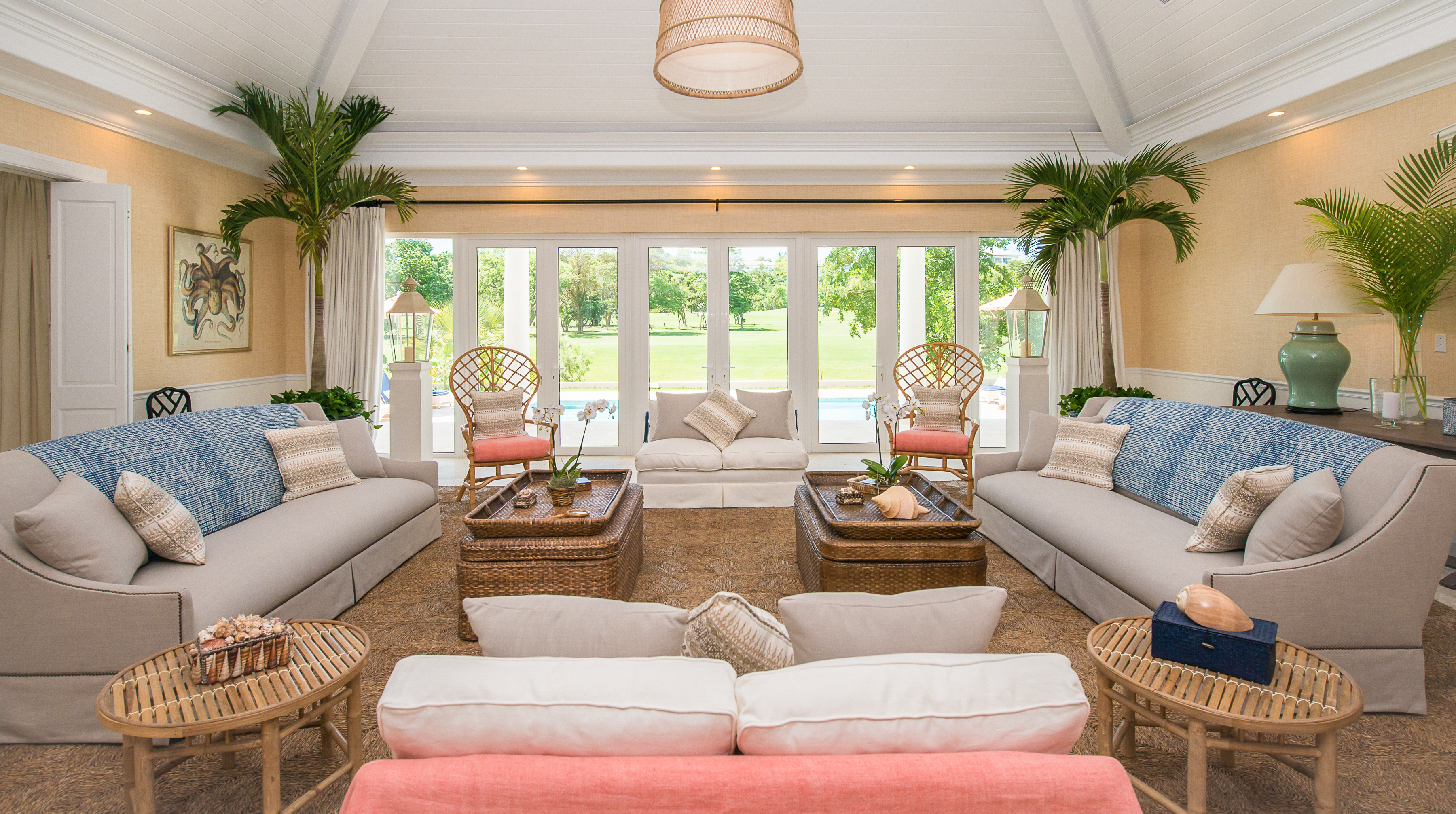 veranda en palette fabulous living room in veranda by kelli ford and kirsten fitgibbons with. Black Bedroom Furniture Sets. Home Design Ideas