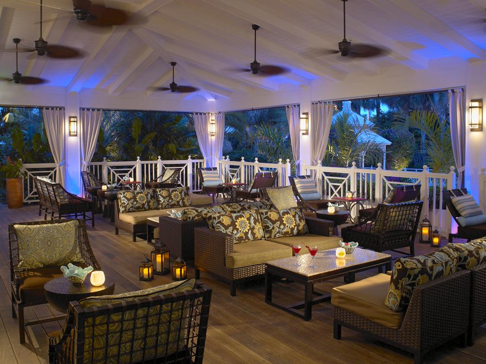 The Palms Hotel & Spa _ Essensia Lounge
