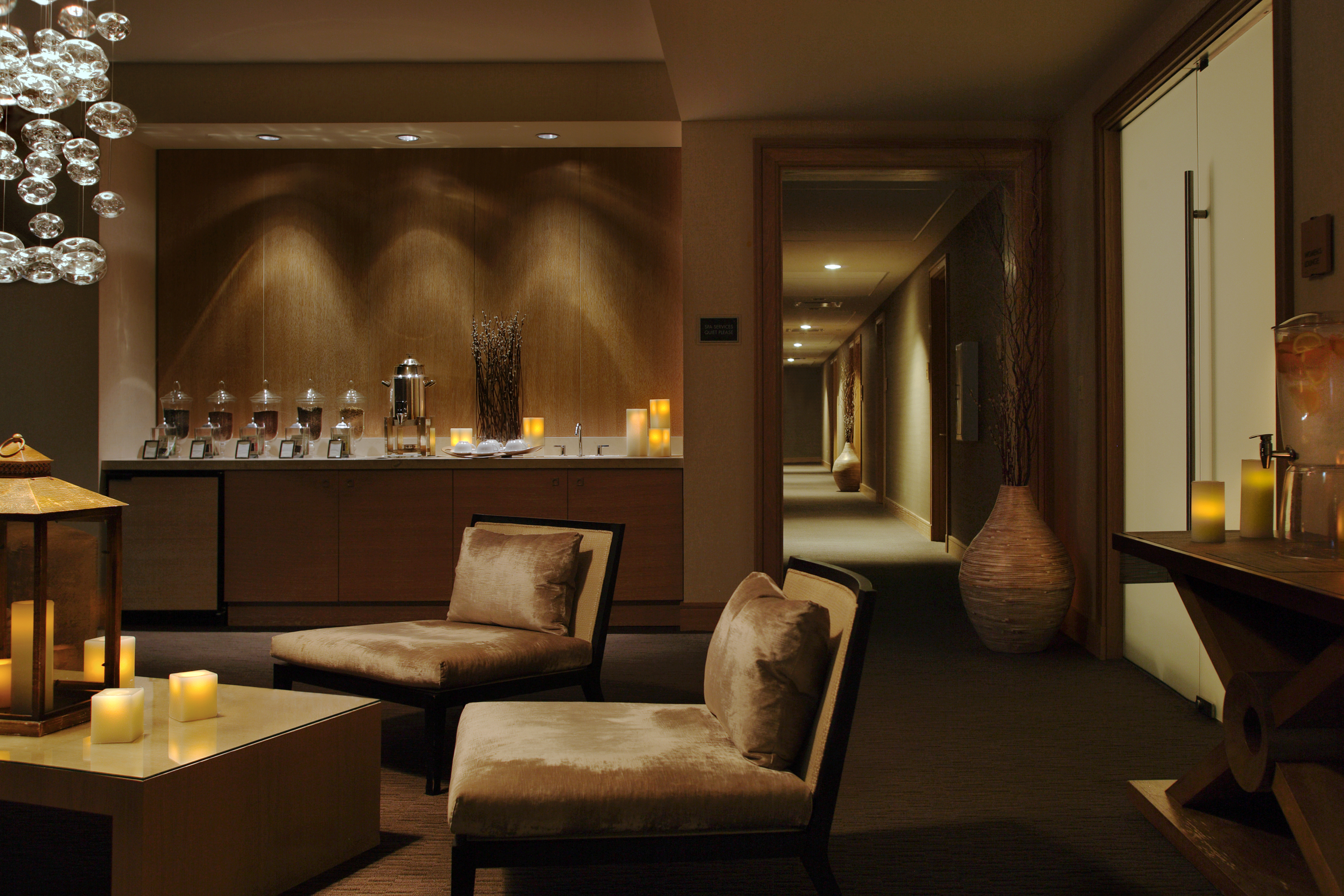 Stylish elegance at trump international hotel tower chicago for Chicago area spa resorts
