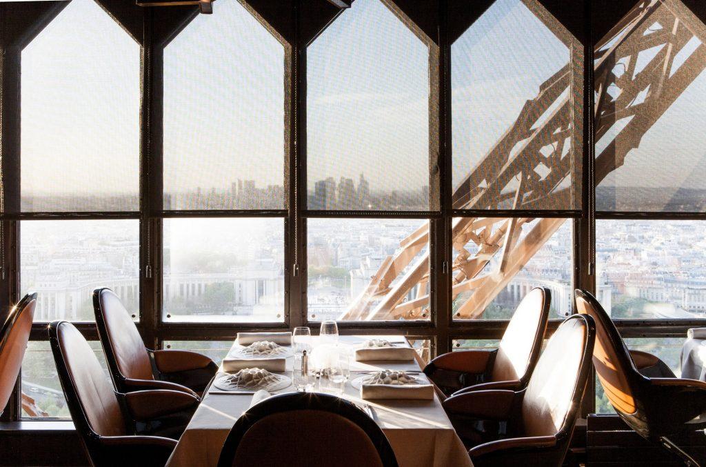 eiffel-tour-restaurant