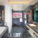 Master Bathroom - Bungalow 22