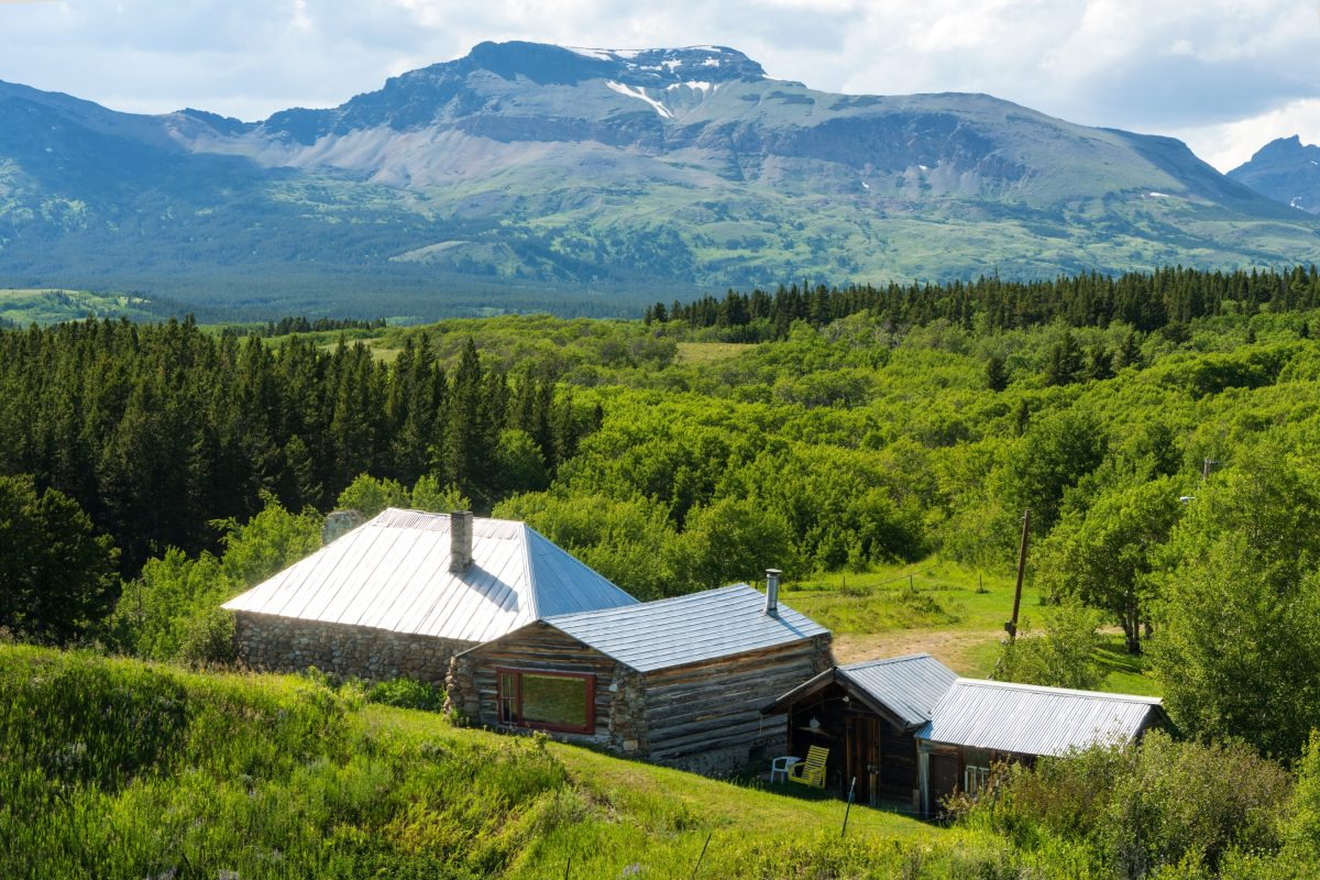 east glacier park mature personals East glacier park is a small village amid spectacular scenery the village is near  excellent fishing, hunting, abundant hiking trails, seasonal indian cultural.