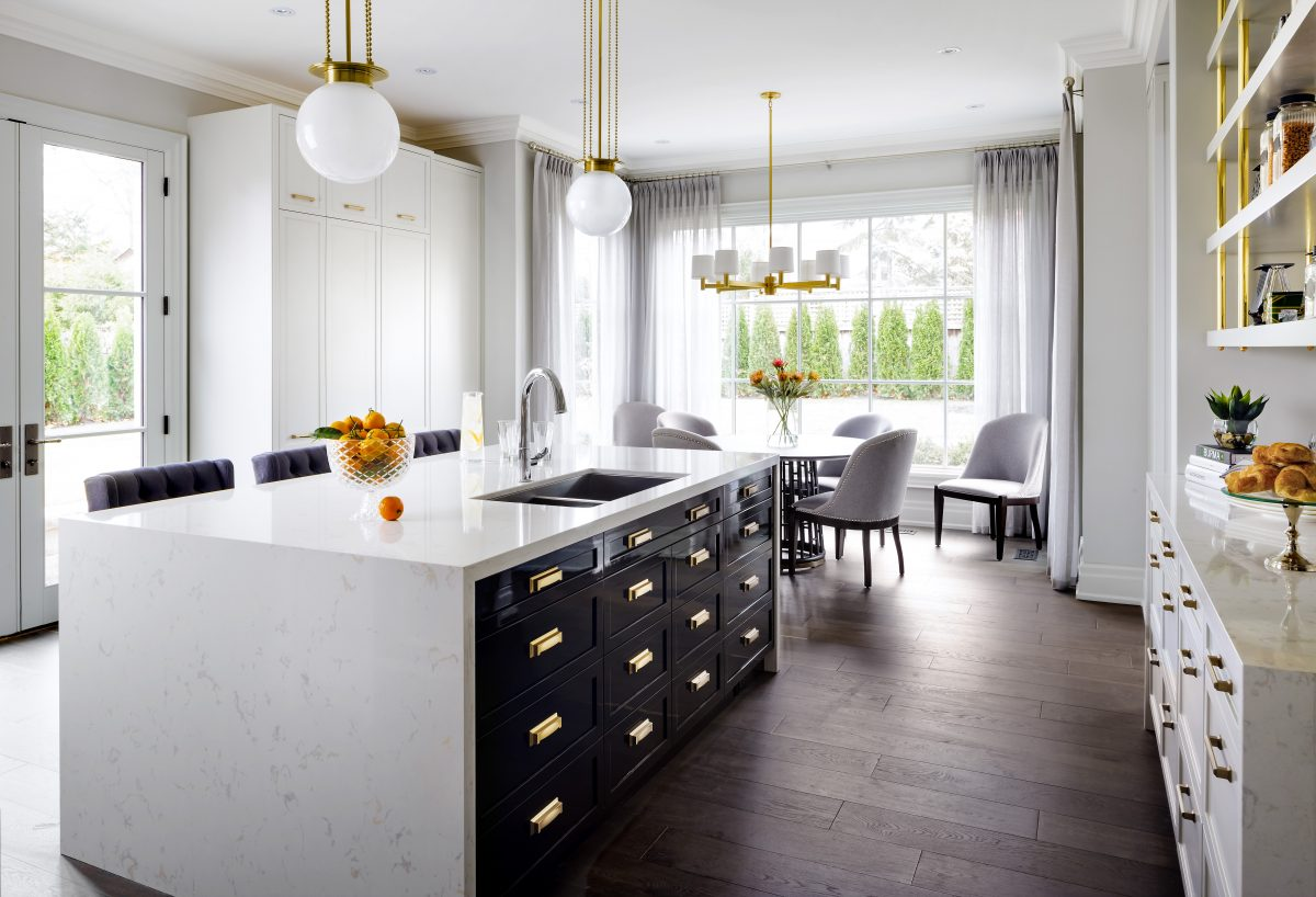 Sophisticated open-concept kitchen featuring Torquay™ design.