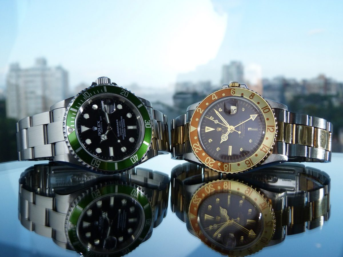 how to buy a used Rolex watch