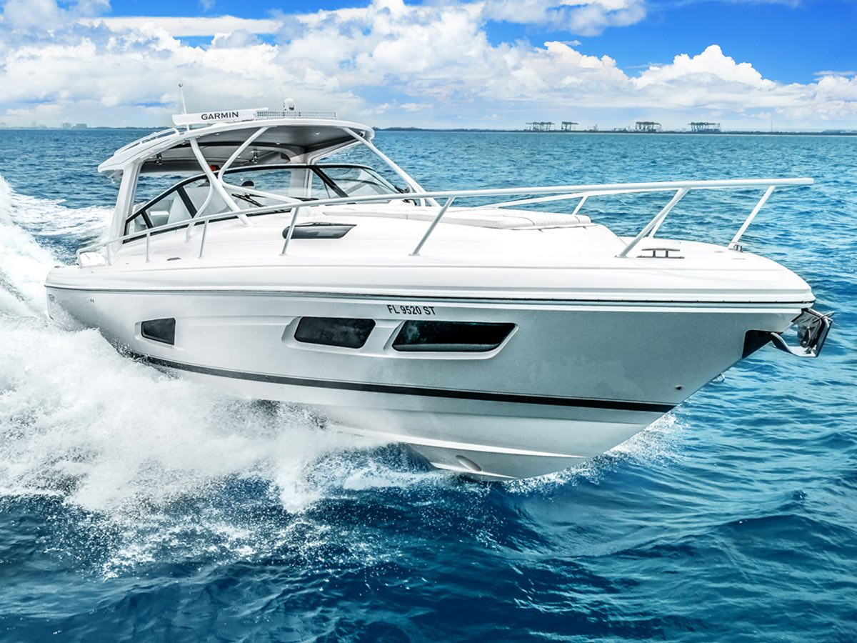 Intrepid Powerboats introduces The 438 Evolution Sport Yacht