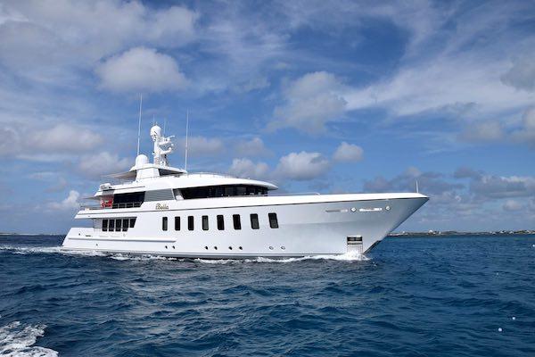 Camper & Nicholsons - Superyacht Bella