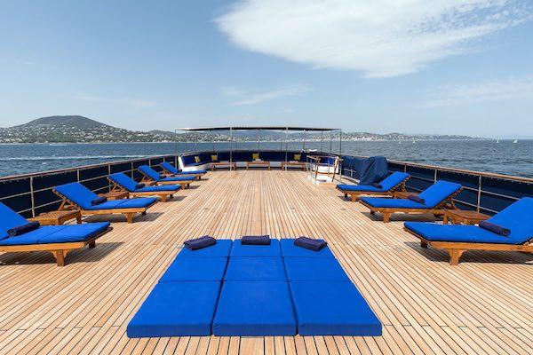 Camper & Nicholsons - Superyacht Paloma (Deck)