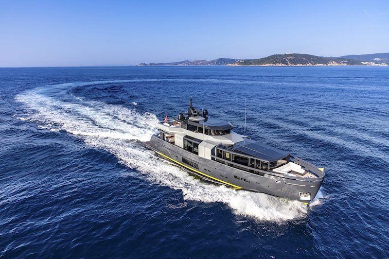 Camper & Nicholsons - Superyacht RJX