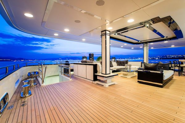 Camper & Nicholsons - Superyacht Silver Angel (Deck)